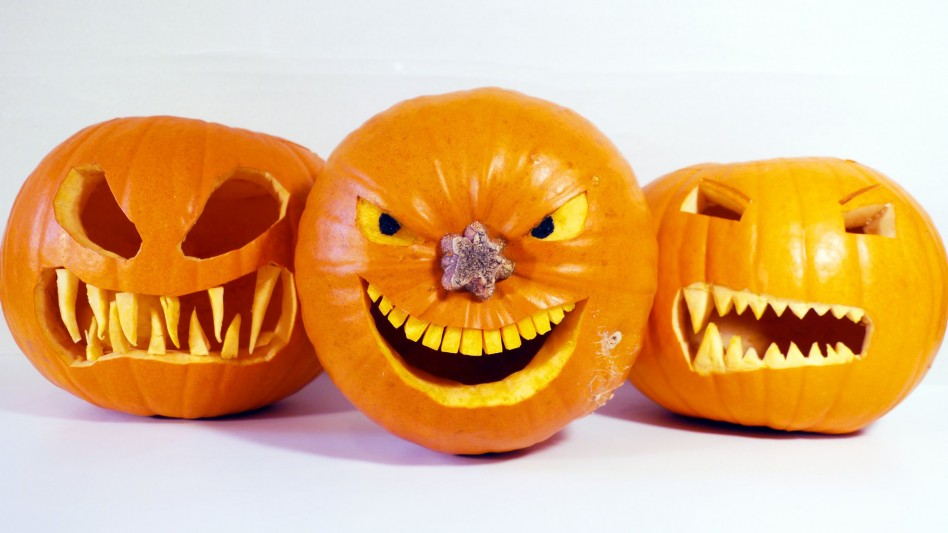 amazing-spooky-halloween-pumpkins-style-with-scary-carving