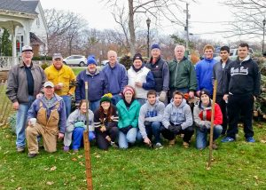 bay-kiwanis-tree-sale-1