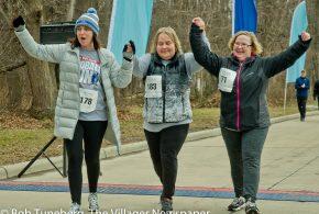 Blind Faith: Bay Runner Keeps Her 'Vision' by Walking 5K
